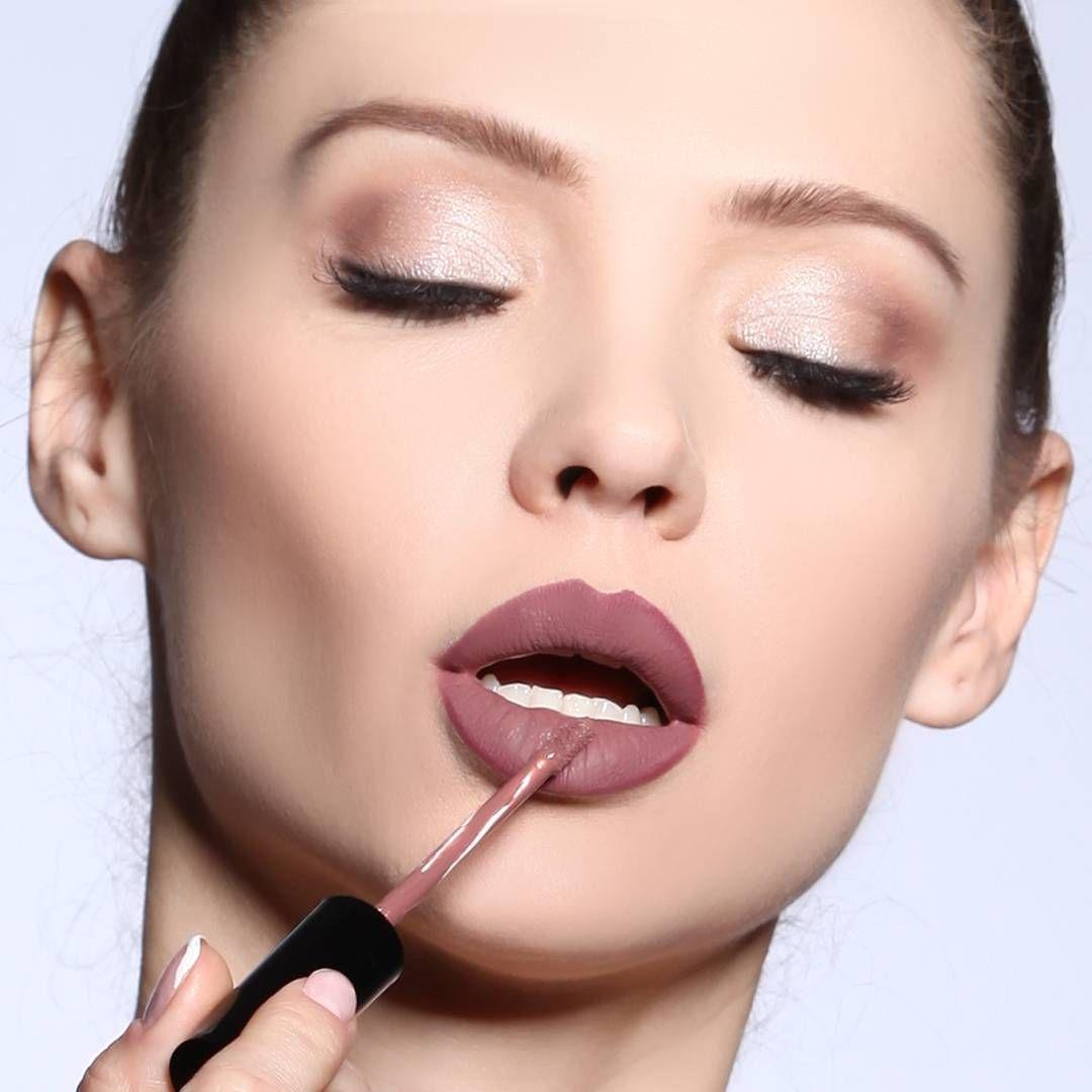 Lipbubbly Lipkit Makeup Makeupartist Cosmetic Cosmetics Styles Fashion Fashionblogger Lips Lipstick Lips Moda Instamakeup Womenstyle Womens Mak