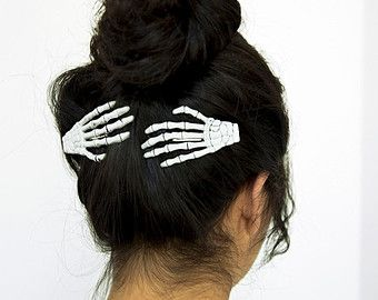 2 Skeleton Hand Hair Clips Set Of Two Left Hands Alligator Clips With Teeth Hair Accessories Hair Clips Hair