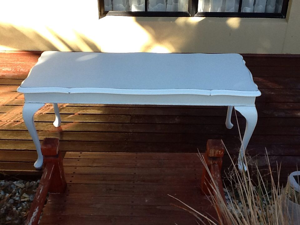 I Painted This Beautiful Queen Anne Style Coffee Table In Aged White