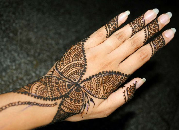 Mehndi Henna Butterfly : Zigzag butterfly pattern mehndi design for hand women will love