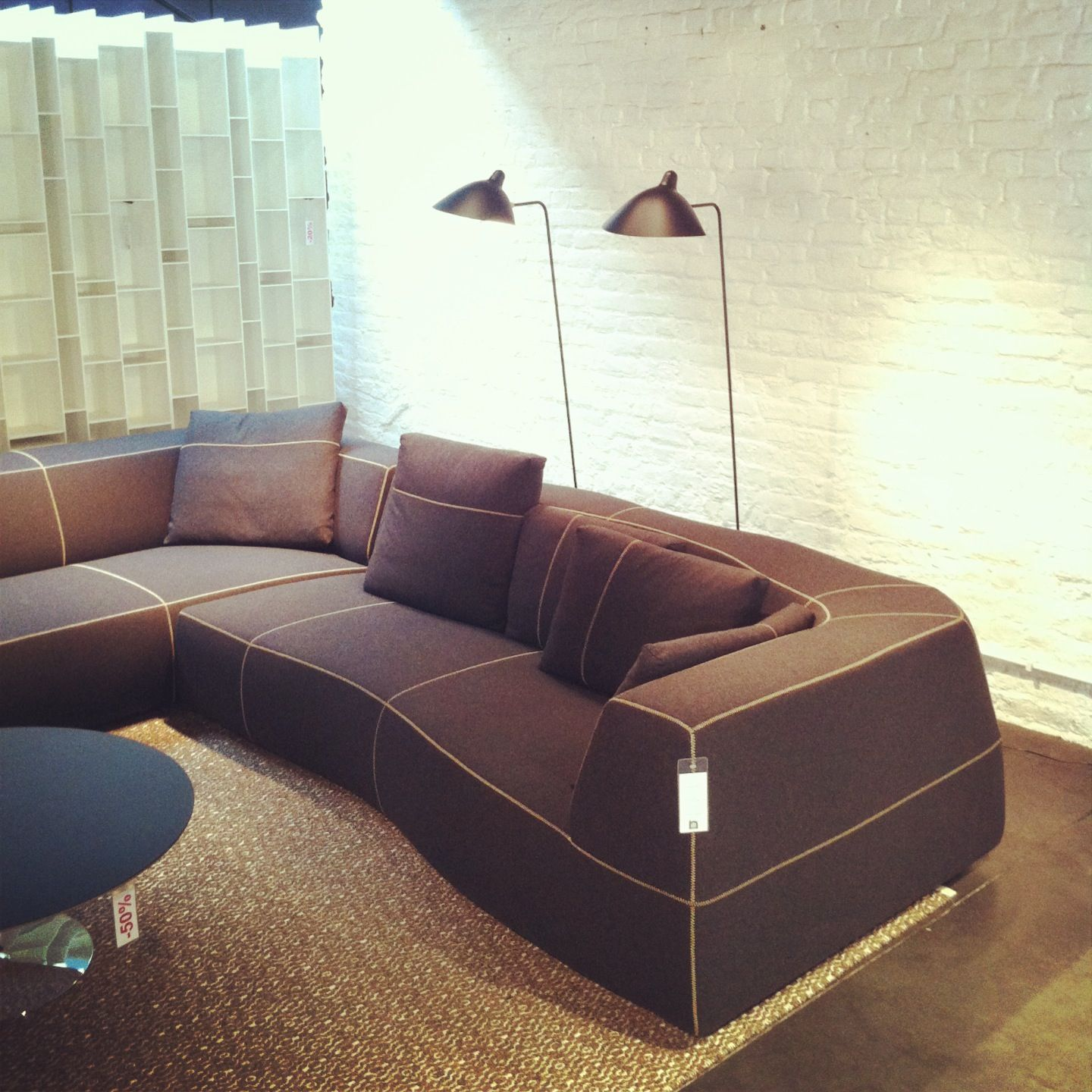 Bend Sofa by B Italia & Patricia Urquiola Lampadaire by Serge