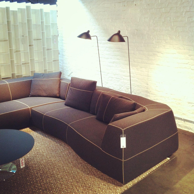Bend Sofa by B Italia & Patricia Urquiola Lampadaire by Serge