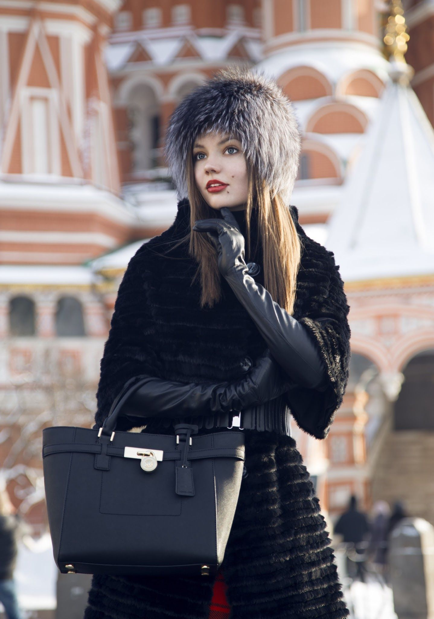Ladies in leather gloves and boots - I Am Guessing She Is Russian In Leather Gloves And Leather Boots