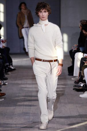 Officine Generale showed its Fall/Winter 2017 collection during Paris Fashion Week.