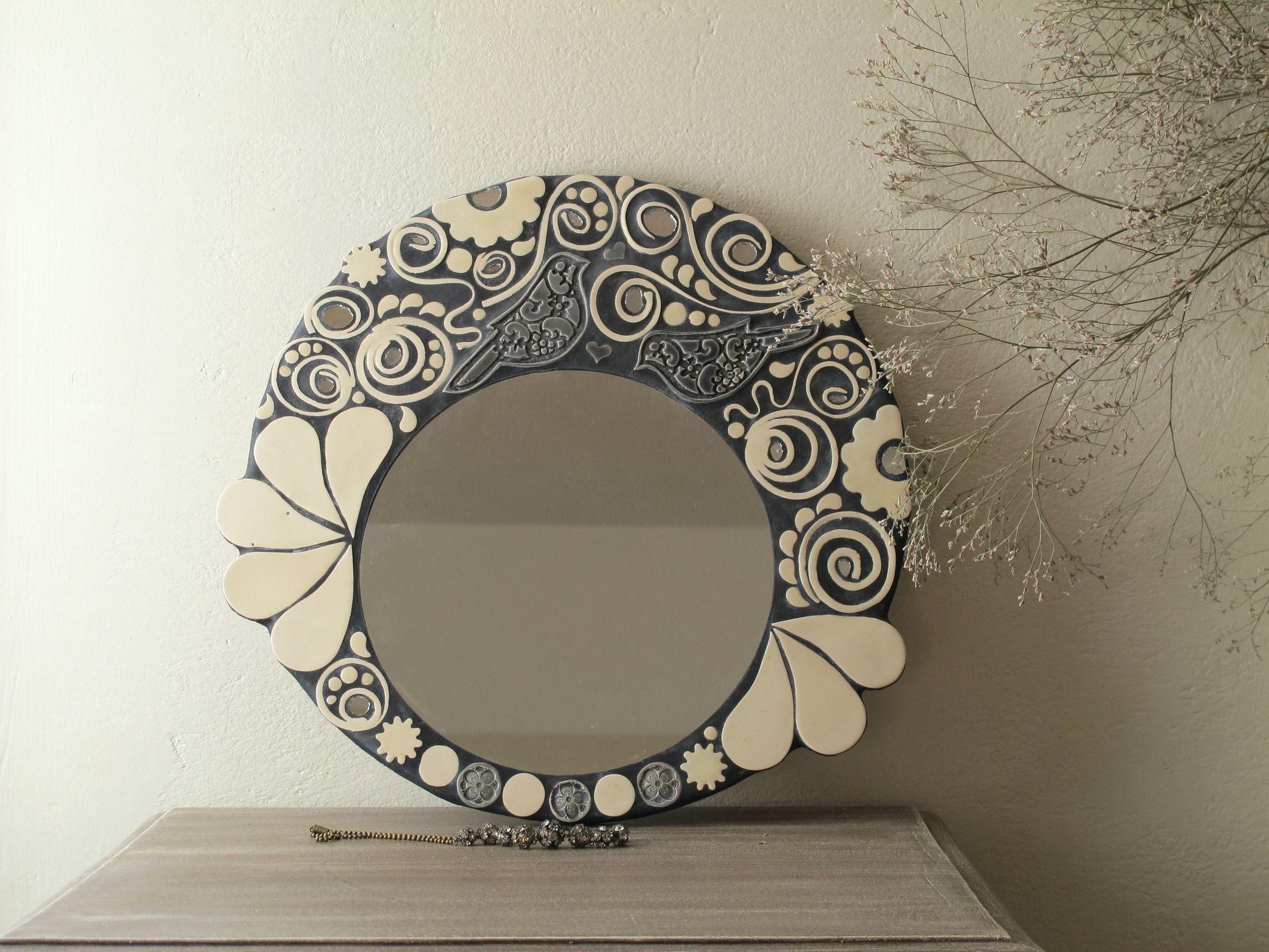 miroir rond mosa que noir et blanc oiseaux volutes fleurs mosaiques par rouge petit coeur. Black Bedroom Furniture Sets. Home Design Ideas