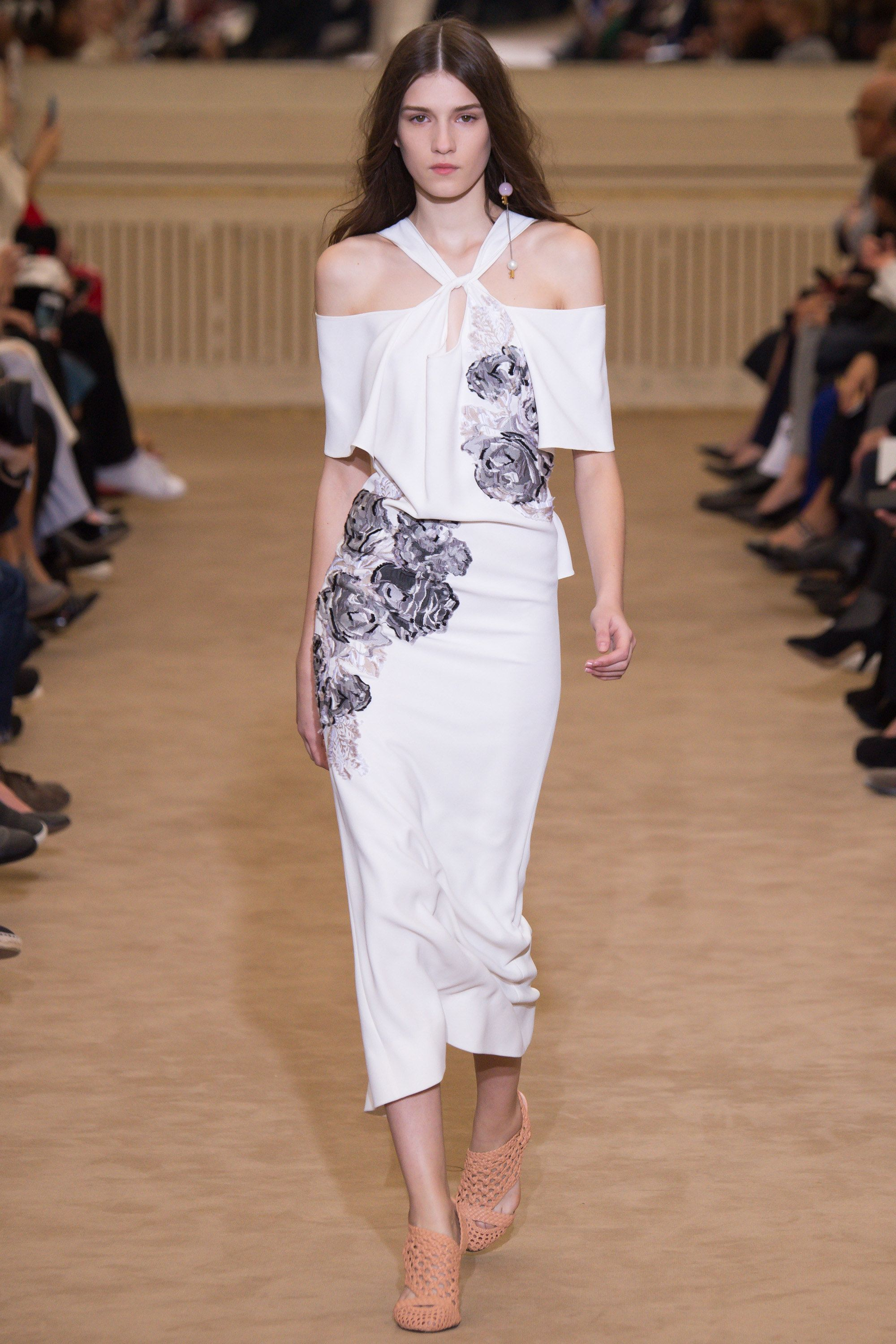 Roland Mouret Spring 2016 Ready To Wear Fashion Show Fashion Paris Fashion Week Fashion Week