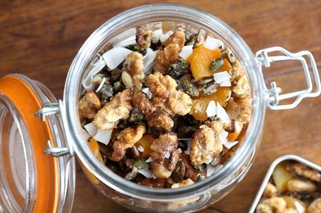 My Favourite Healthy California Walnut Snack Recipes – Balance Festival (Nics Nutrition)