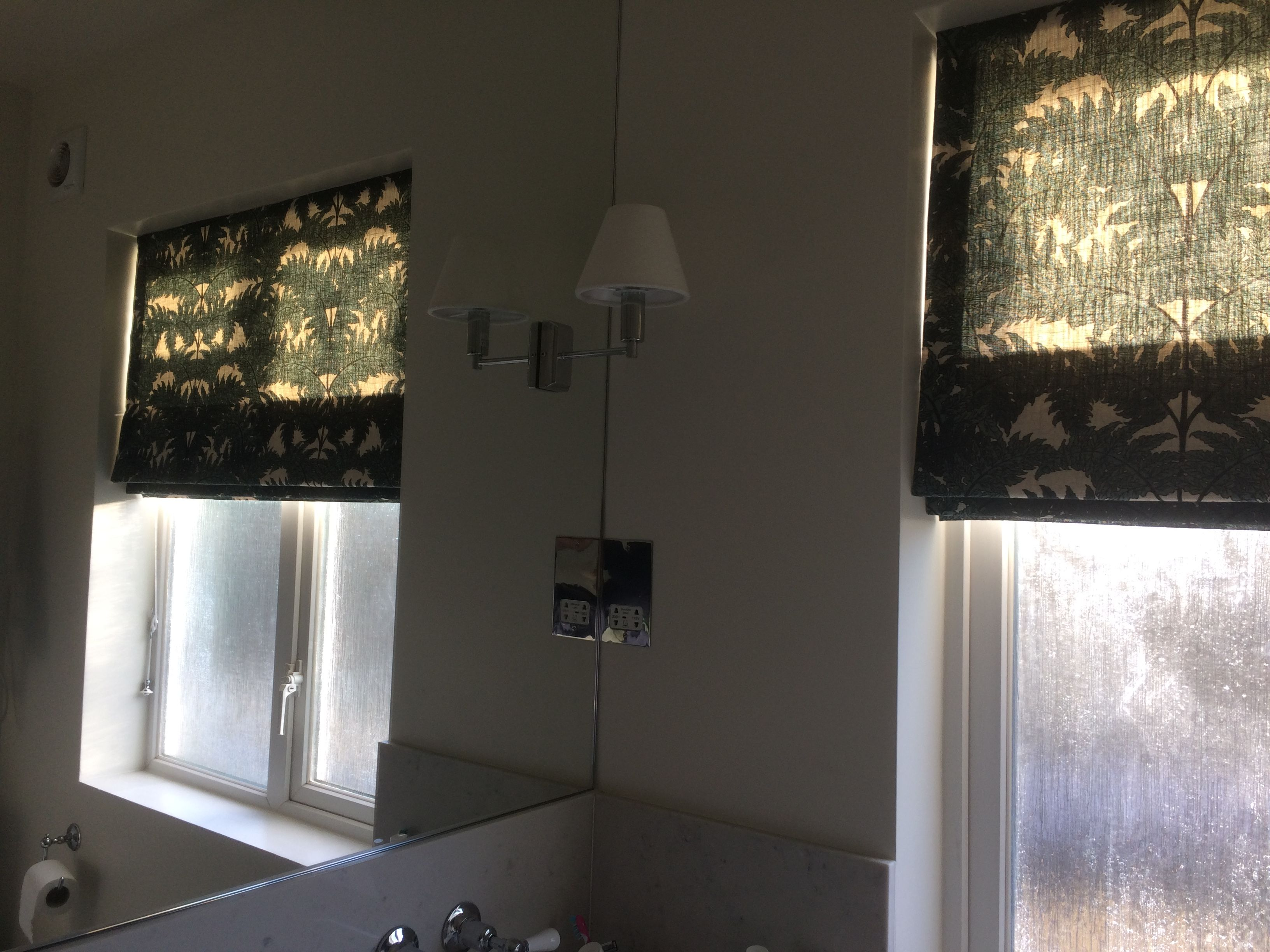 Lined Roman Blinds For Bathroom In Sw19 Fabric From House Of Hackney Lisa Gomer Interiors Bathroom Blinds Interior Work Interior