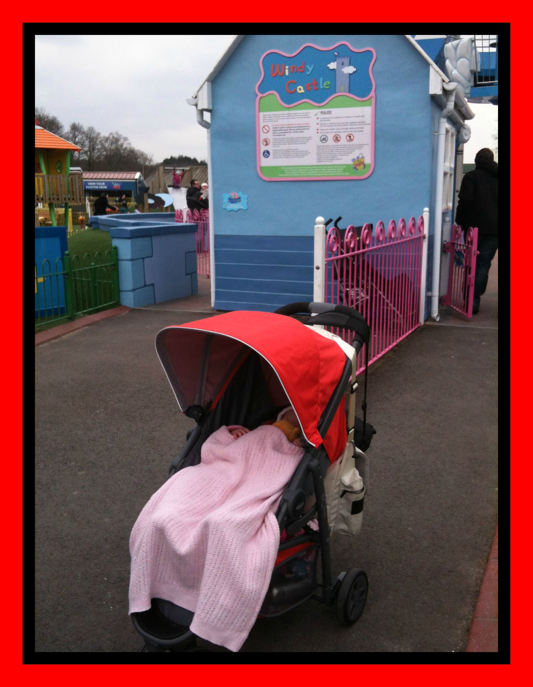 Snug and warm in the #EvoMini at Peppa Pig World #GracoBaby