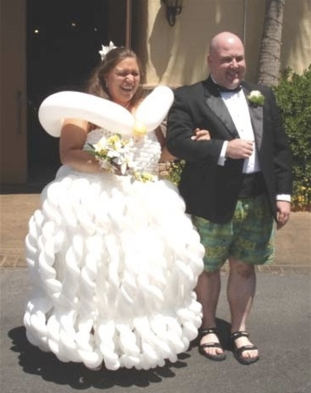 35 Wedding Dresses That Made Guests Truly Uncomfortable Funny