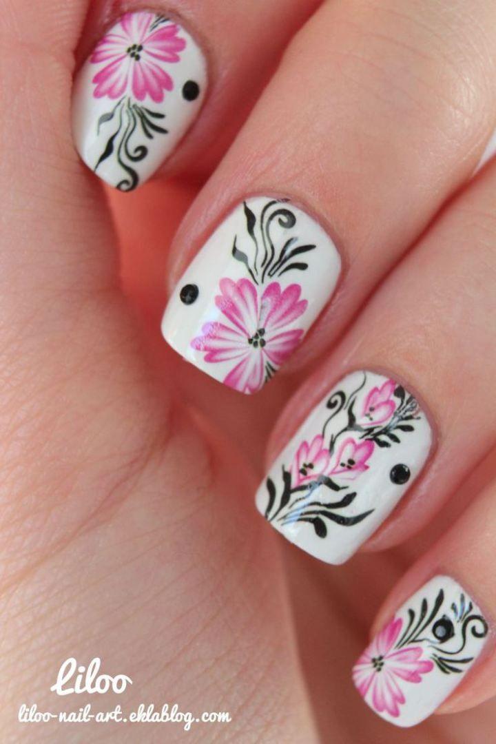 uas pintadas de blanco con rosasjpg 720 - Modelos De Uas Pintadas