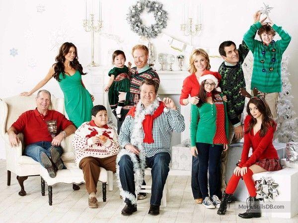 Modern Family - Promo shot of Ed O'Neill, Sofía Vergara