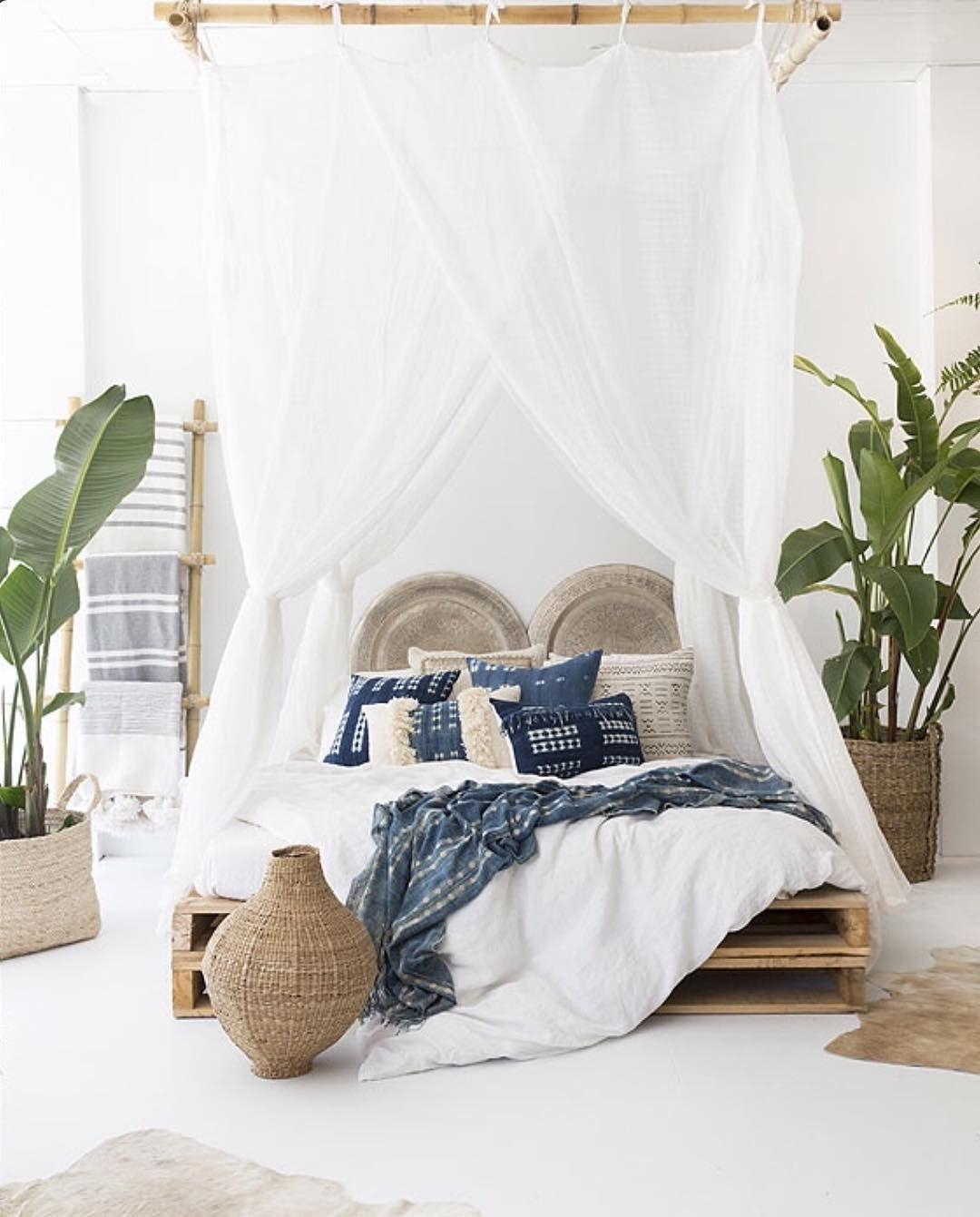 Mélange de bleu beige et blanc pour la chambre et spécialement
