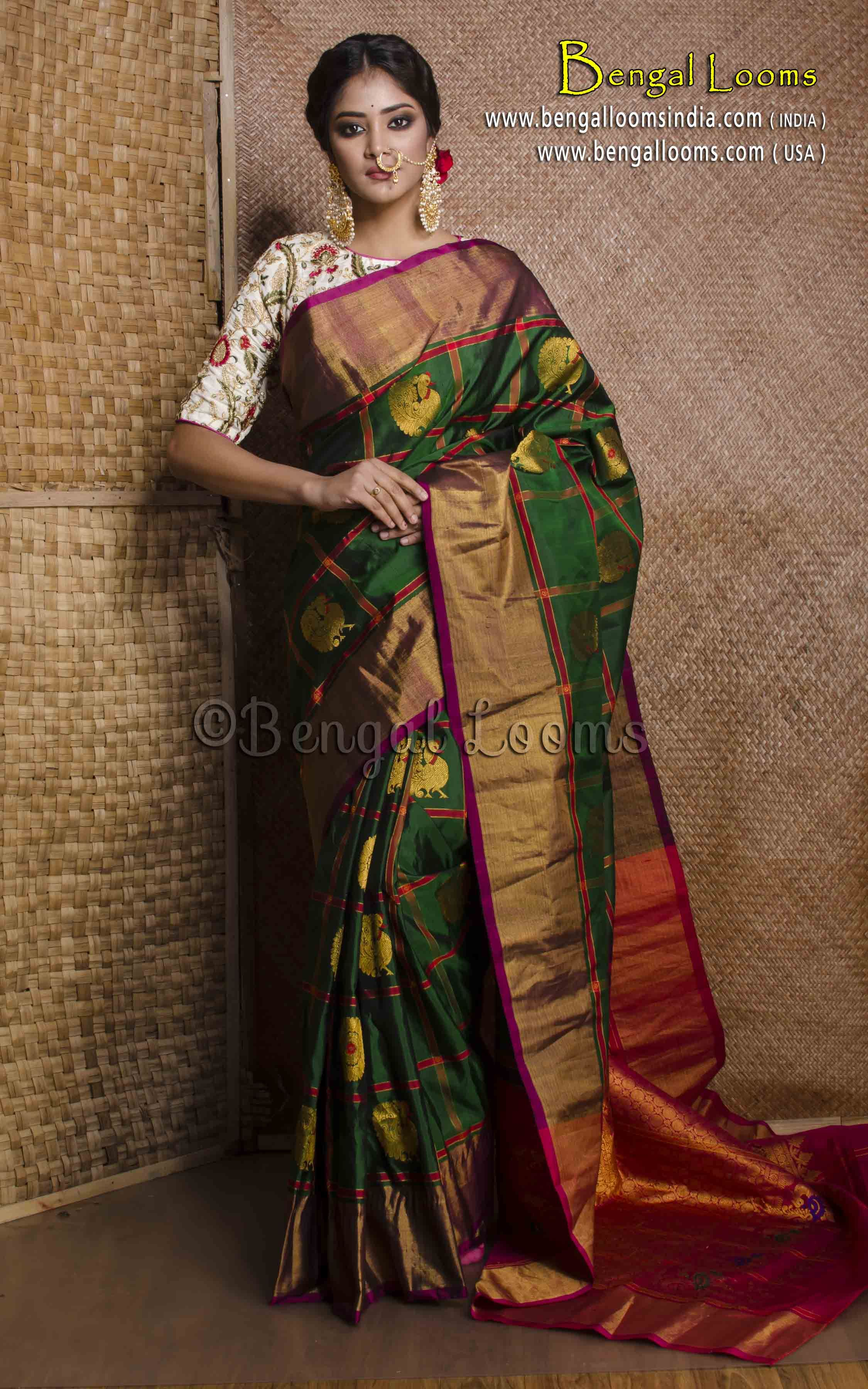 d7c9d8f1b5c93 Pure Handloom Gadwal Silk Saree in Bottle Green and Red