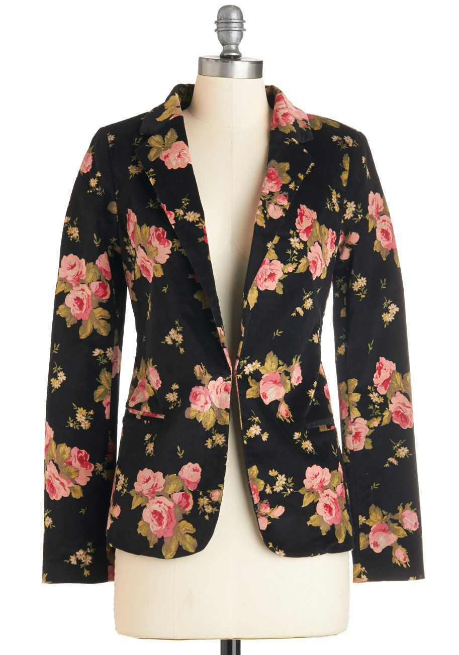 Daytime to Date Time Blazer. Dont worry about running home after work to change - just sport this floral blazer! #black #modcloth