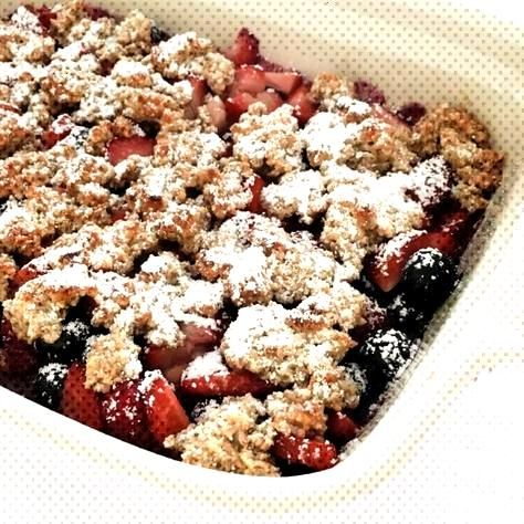 Healthy berry crumble - without flour and without sugar! - Fourhang up - Healthy berry crumble –