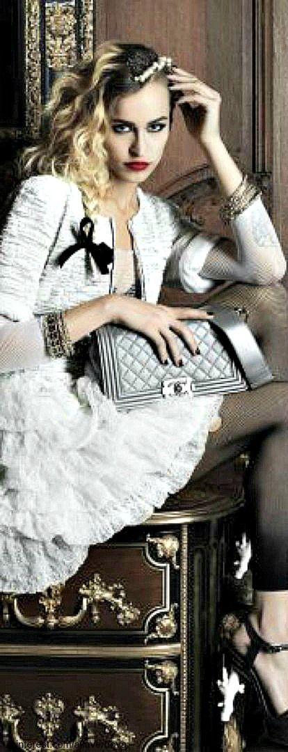 Chanel. V