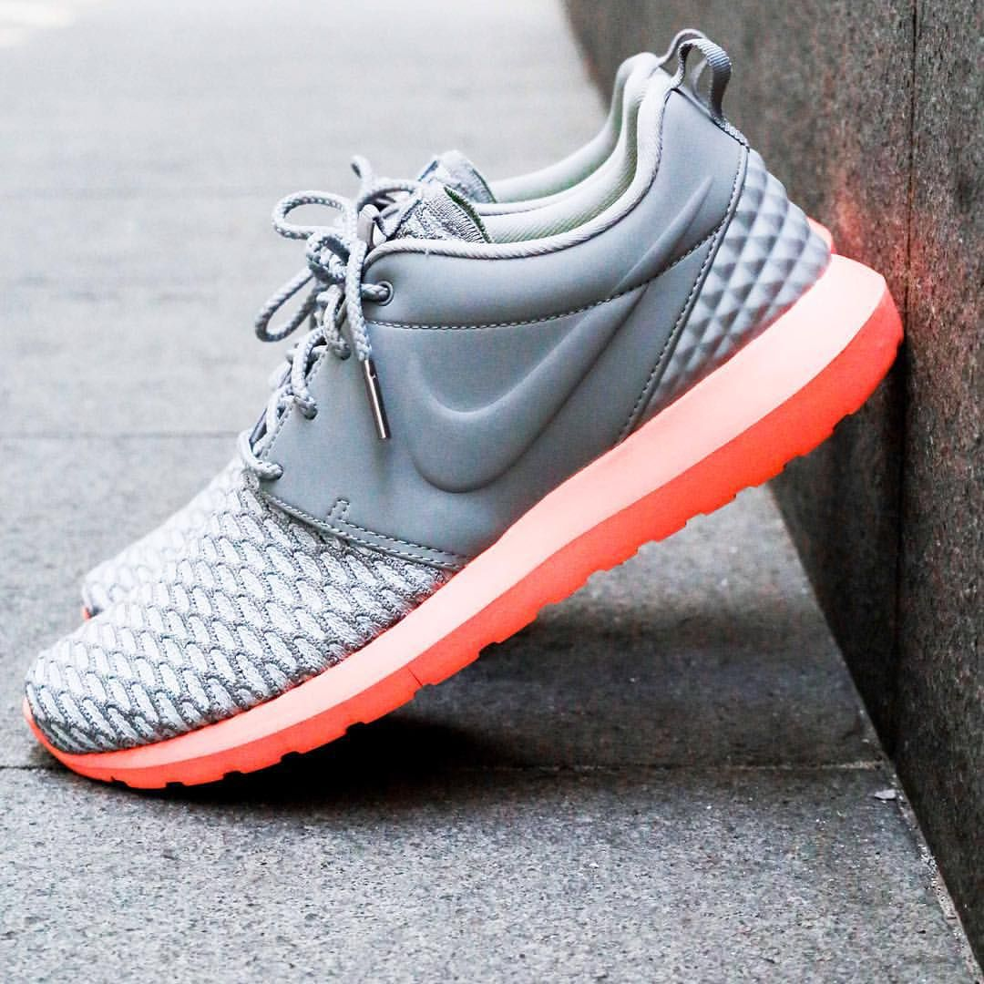 Nike Roshe One Flyknit: Grey/Orange
