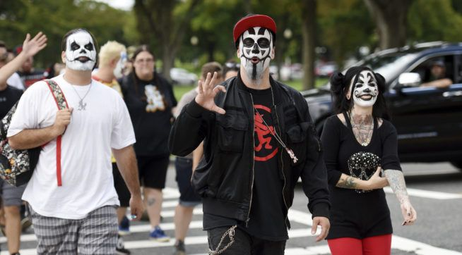 Juggalos Flock To Dc To Protest Fbi Gang Label Insane Clown Posse Clown Posse Juggalo March