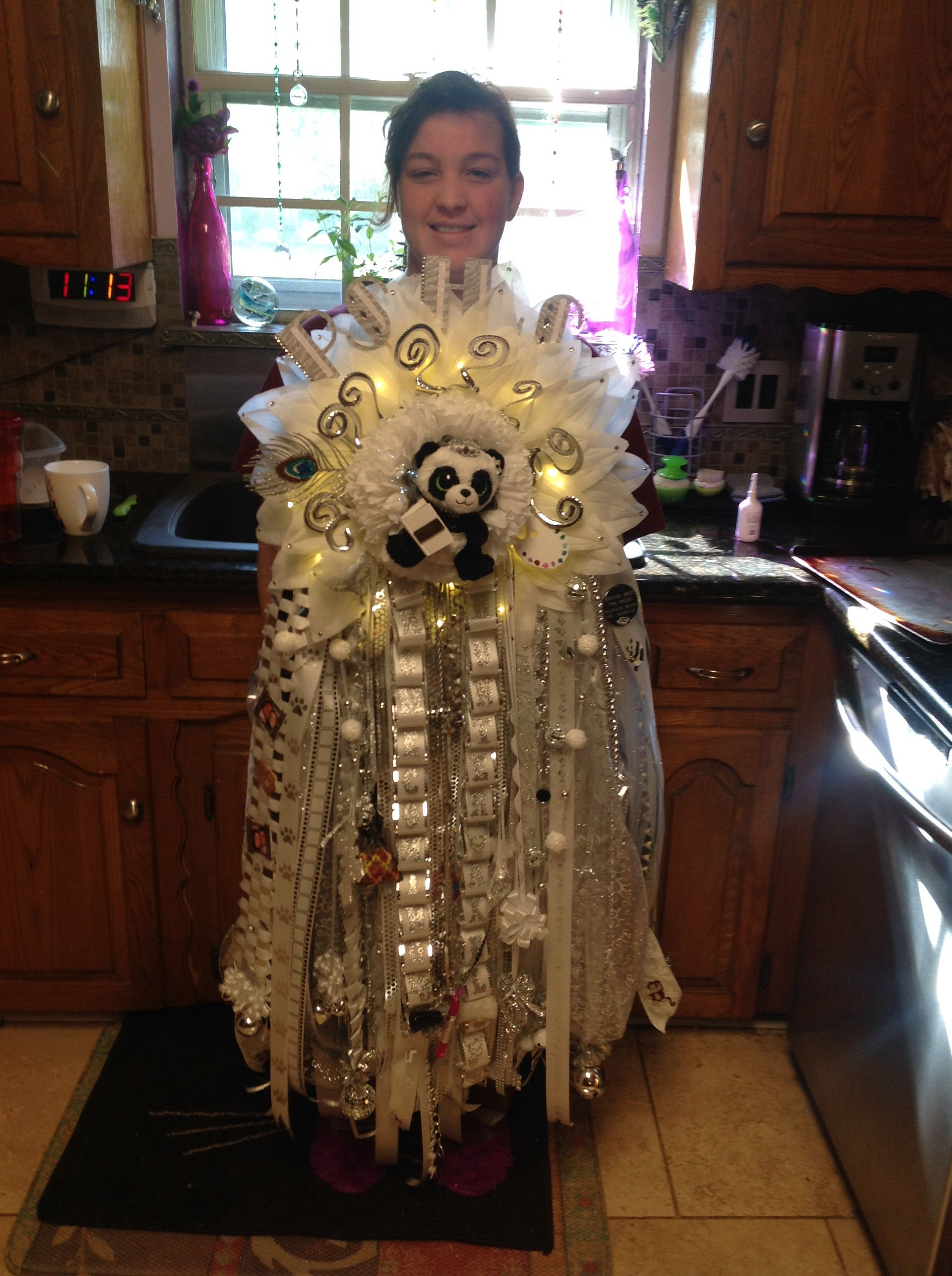 Homecoming Mum Plano Texas Wow They Sure Are Ger Now Days I Like More Understated But Wver