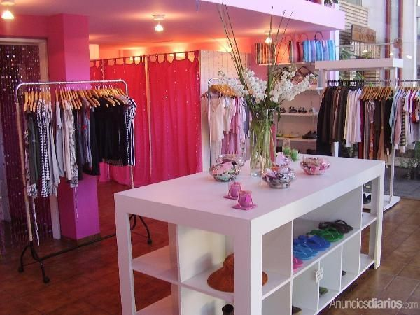 Decoracion boutique femenina peque a buscar con google for Decoracion de boutique