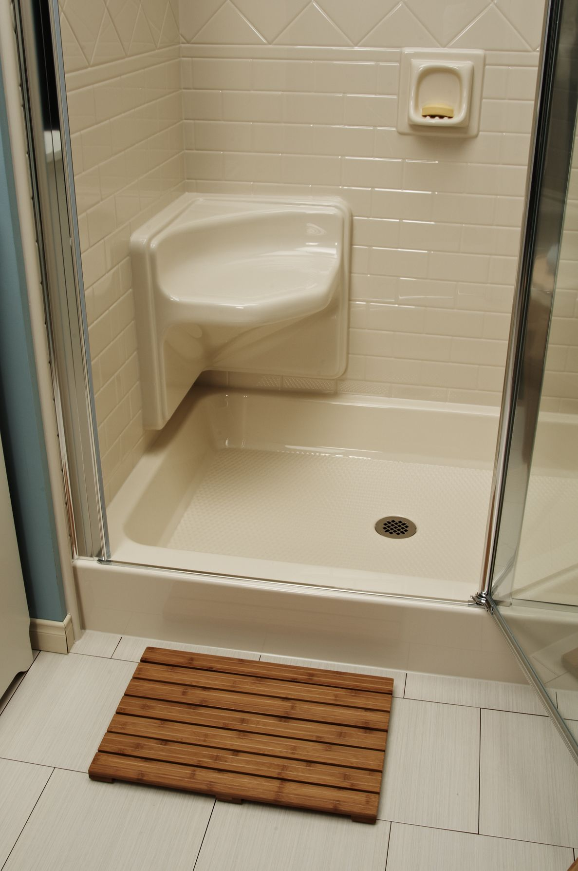 Bath Fitters Showers Part - 21: Bath Fitter Can Install A Built-in Shower Seat.