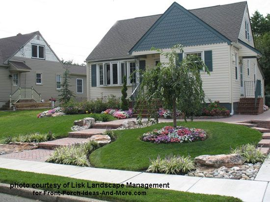 Very curb appealing front yard design by Lisk Landscape Management