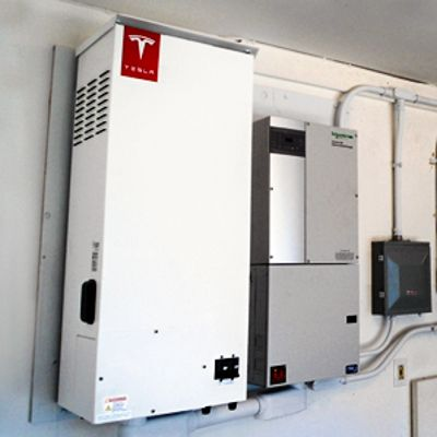 Solarcity To Deploy Tesla Energy Batteries For 52 Mwh Of Evening Electricity Storage On Kaua I Hawaiʻi Solar Power Solar Energy Clean Energy