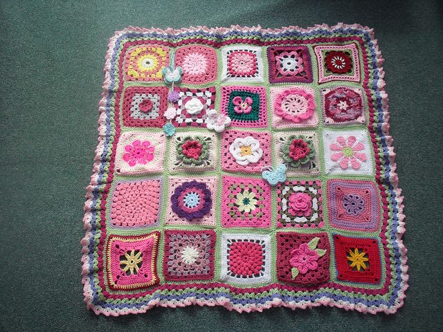 Thanks to everyone that has contributed Squares for this Blanket. 'Please add note' if you see your own Square. 'Endless Summer Flowers'. by MRS TWINS, via Flickr