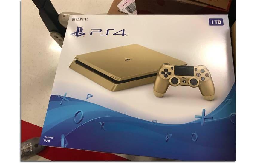 b9a9172256d3a Ao que tudo indica a Sony tem a caminho das lojas uma nova versão da sua  consola PlayStation 4. A imagem de uma variante dourada da PS4 surgiu esta  semana ...