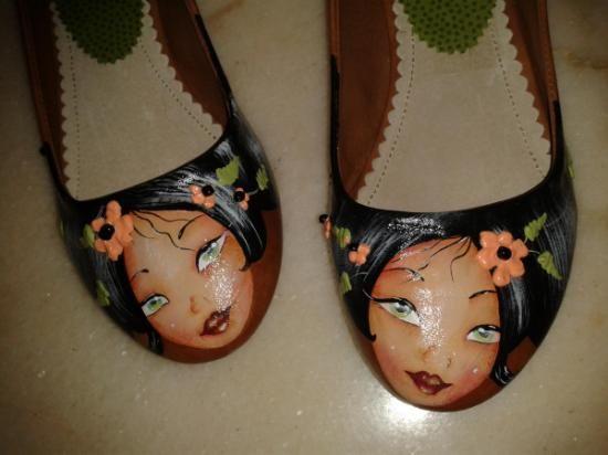 zapatos pintados a mano                                                                                                                                                                                 Más