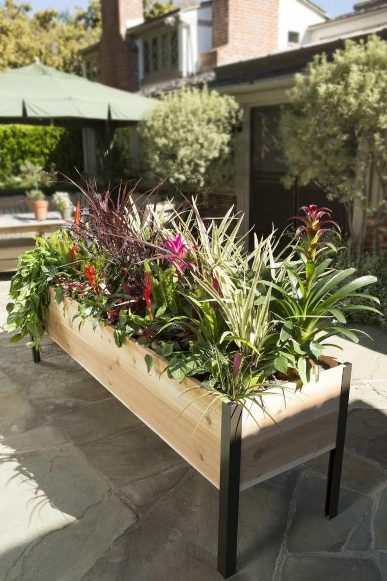 Etonnant Jardiniere Terrasse Exterieure #8: Jardiniere Sur Une Grande Terrasse Extérieure