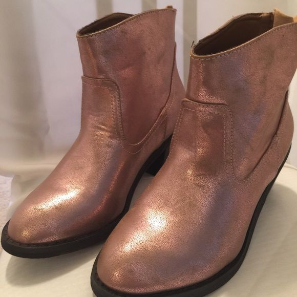 1843c141746 New Metallic Pink ankle cowboy boot by Sketcher Brand new metallic ...
