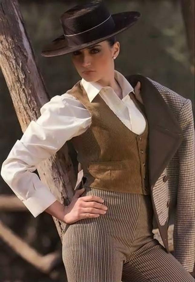 Elegante peinados andaluces Imagen de cortes de pelo tutoriales - Trajes camperos para mujer Trajes andaluces   Ropa ...