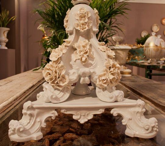 Porcelain flowers detail