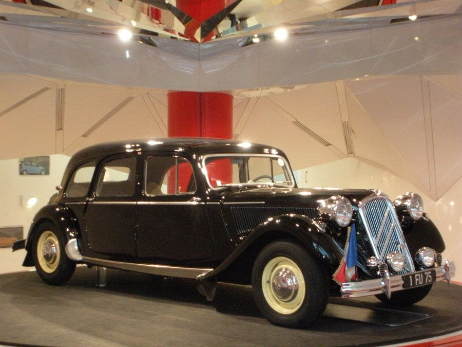 25 best ideas about traction avant on pinterest citroen. Black Bedroom Furniture Sets. Home Design Ideas