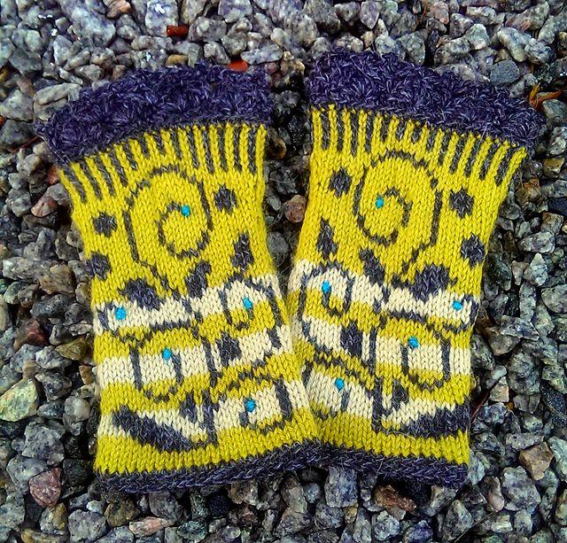 knitted mittens | wrist warmers | fingerless mittens | fingerless mitts | knitting pattern | strikkede pulsvarmere | strikkede pulsvanter