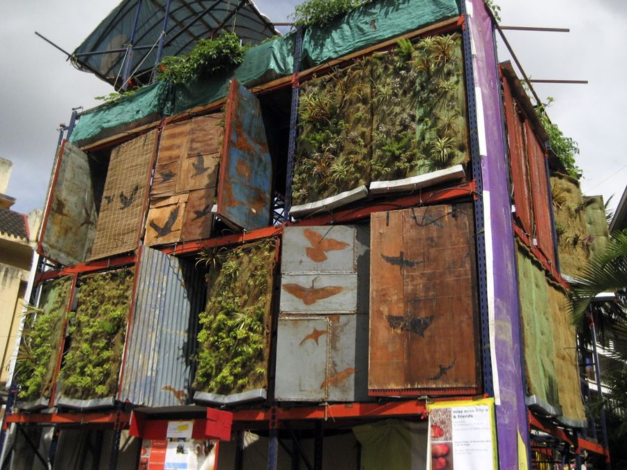 Vertical Garden as Solution for Small Minimalist House Vertical