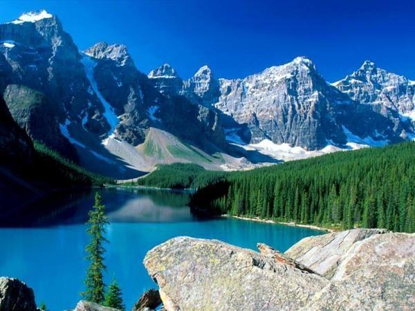 La montagne en été avec un lac en plus!!