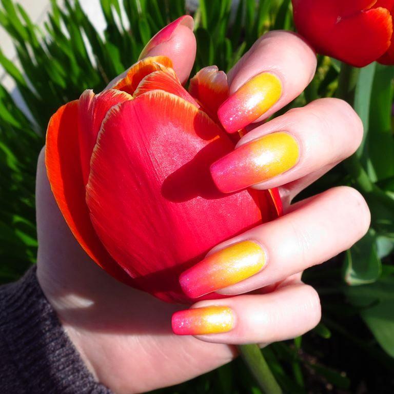 Red Carpet Manicure ~ Gradient | Nail art summer, Manicure