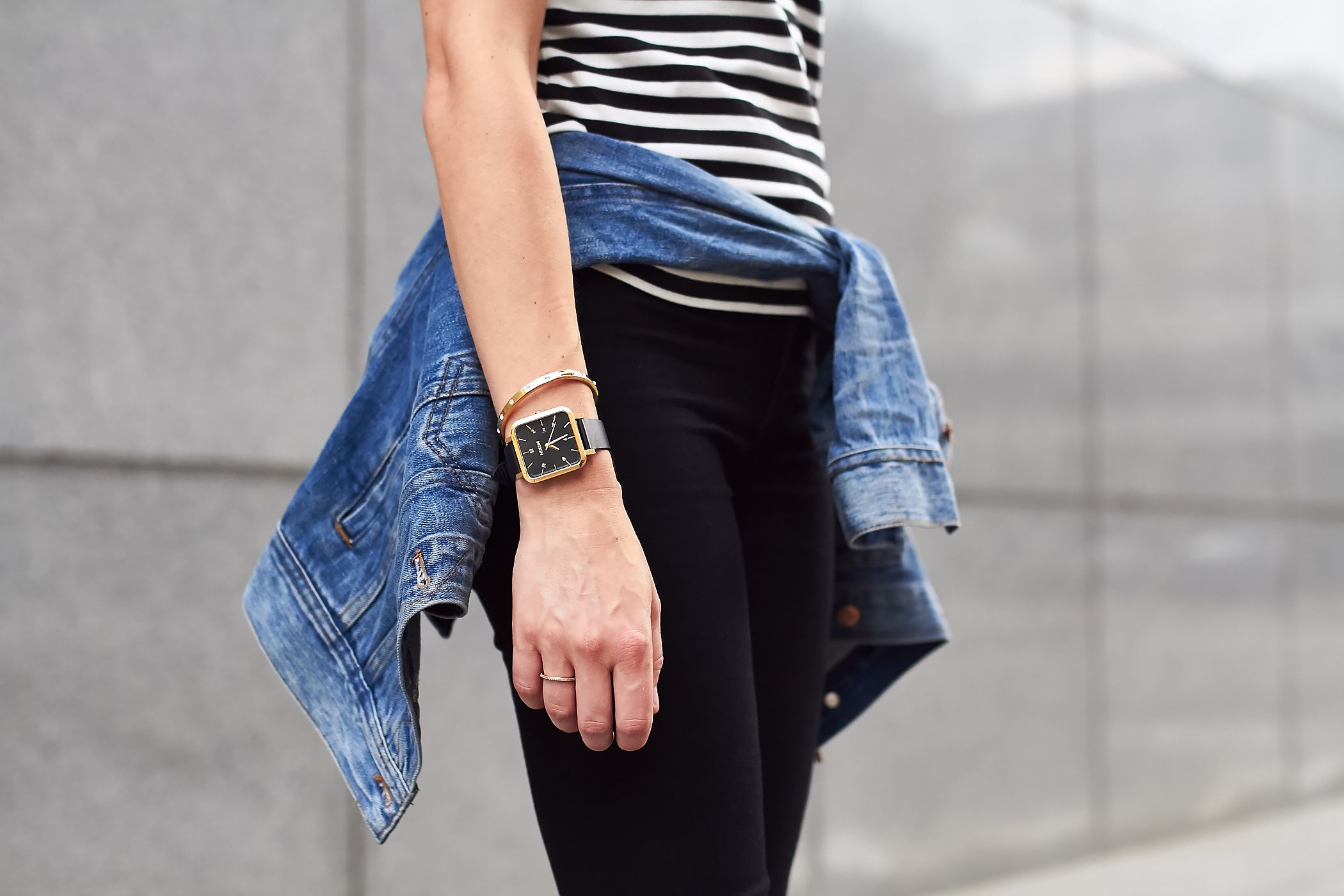 fashion-jackson-black-white-stripes-denim-jacket