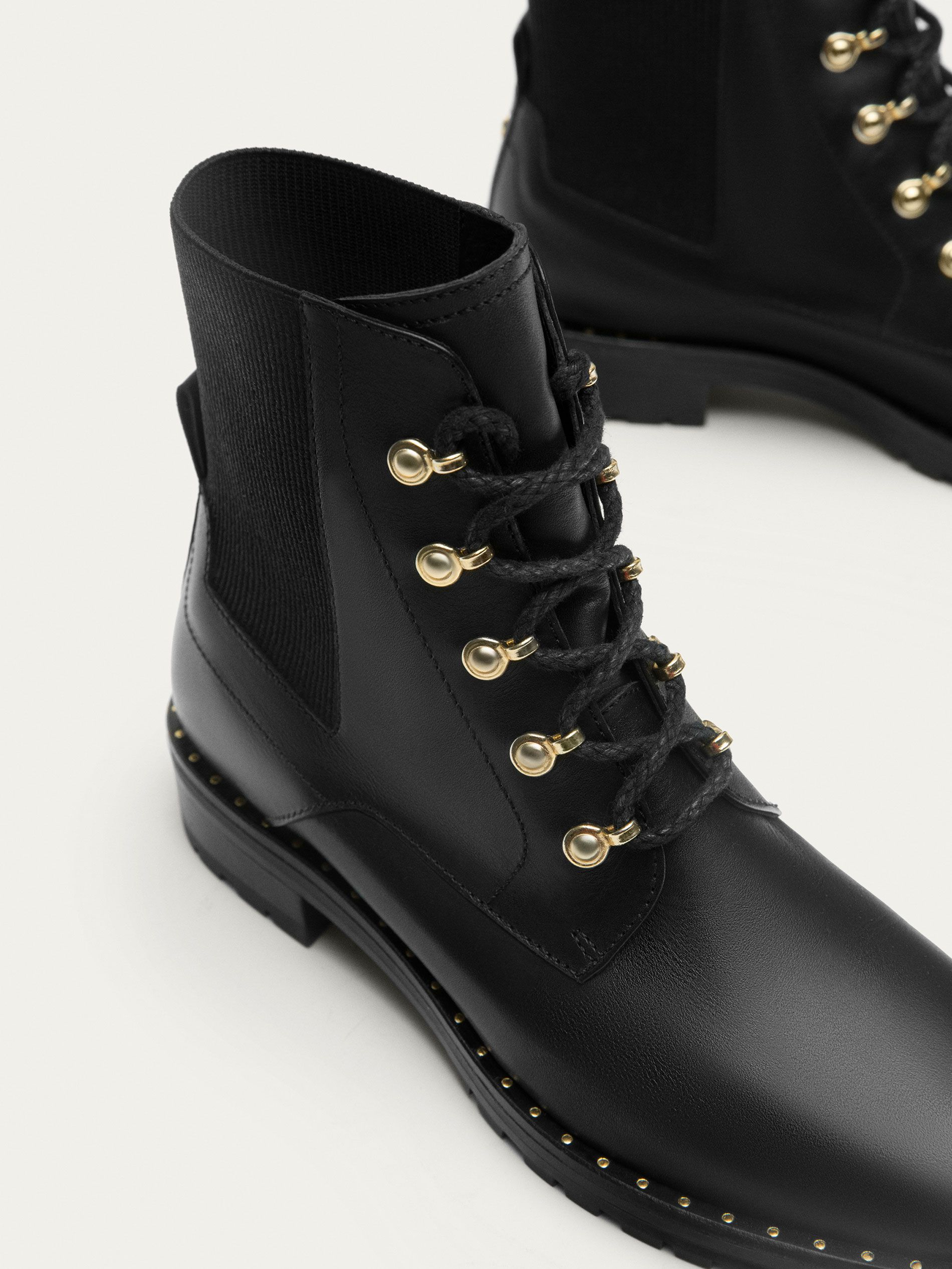 Fall Winter 2017 Women´s BLACK LEATHER ANKLE BOOTS at
