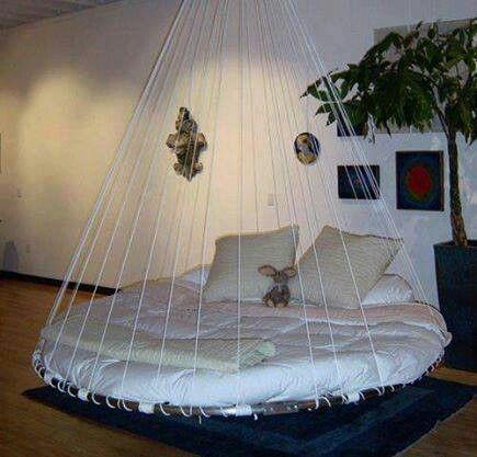 Hanging round trampoline bed