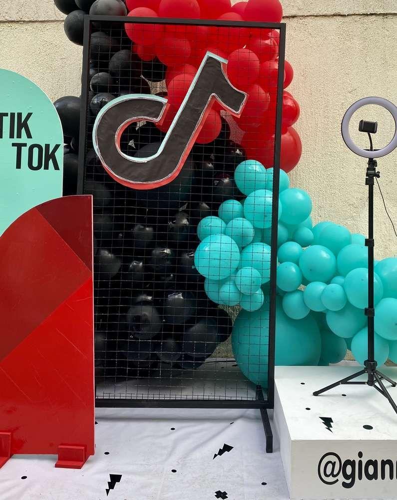 Tik Tok Party Birthday Party Ideas Photo 12 Of 13 Birthday Balloons Birthday Sign Birthday Parties