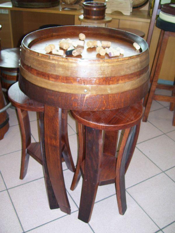 1243 tavolo con sgabelli a scomparsa briganti srl for Botti usate per arredamento
