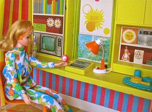 My Vintage Barbie Doll Illustrations - So cool, Francie doll house! I love mine!