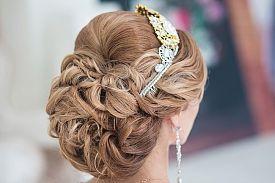 Nos conseils et astuces pour un chignon tressé comme coiffure de mariage | Coiffure mariage ...