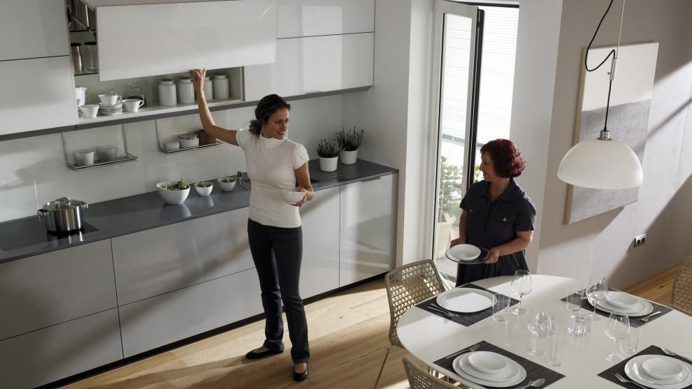 Muebles altos cómodos y accesibles | Decoración | Pinterest ...
