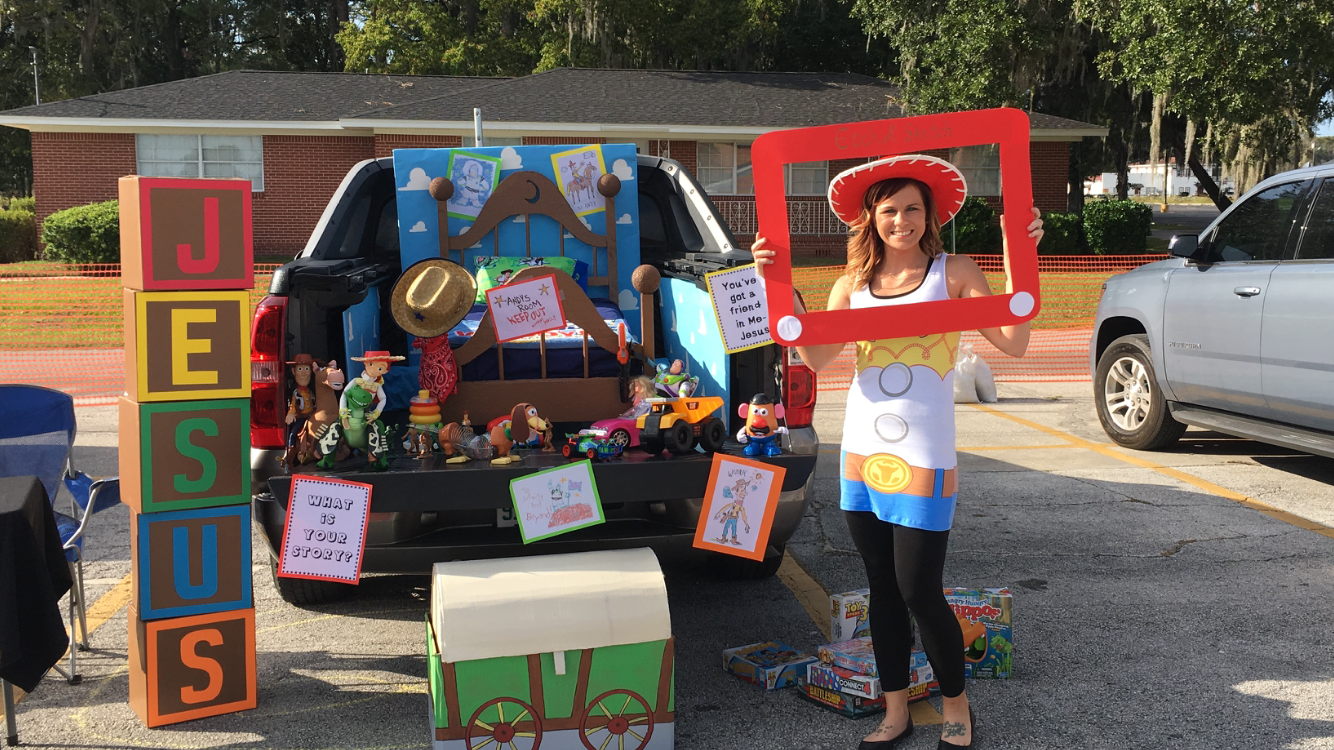Toy Story Trunk Or Treat Trunkortreatideasforcarsforchurch Toy Story Trunk Or Treat Toy Story Halloween Trunk Or Treat Halloween Toys
