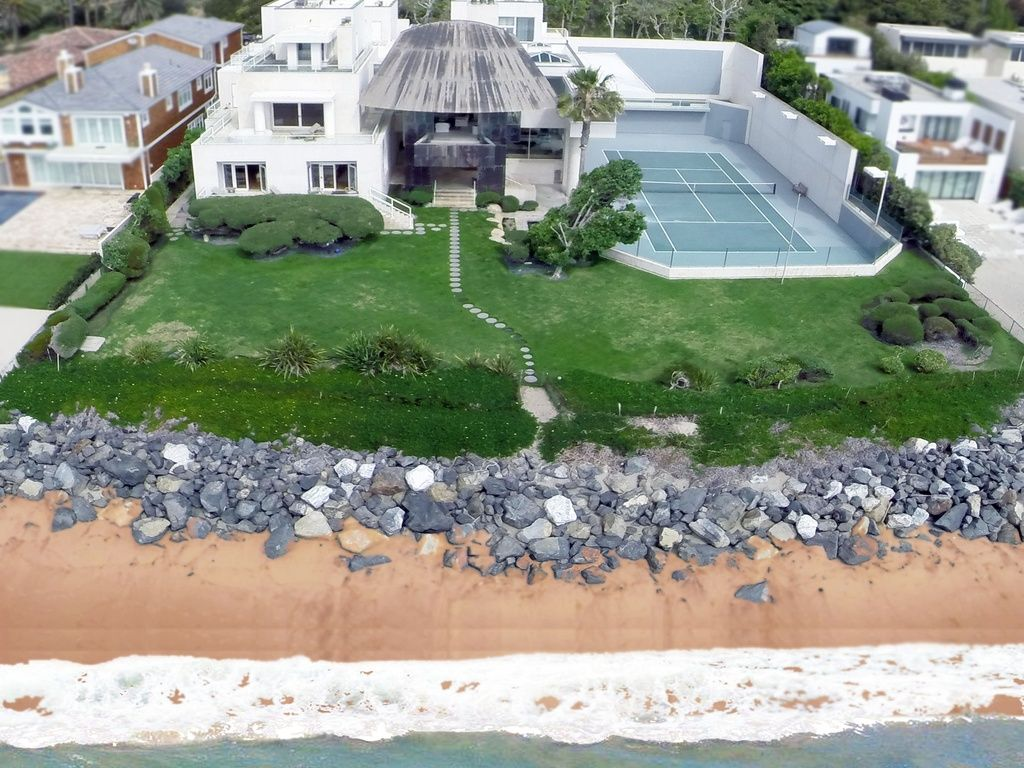 31250 broad beach rd malibu ca 90265 is for sale for Billionaire homes in usa